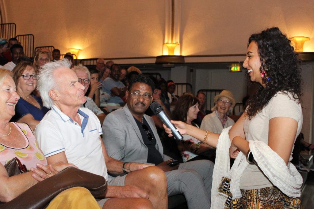 Verslag - Audience vragen wat ze het leukst van de Eritrese cultuur vinden